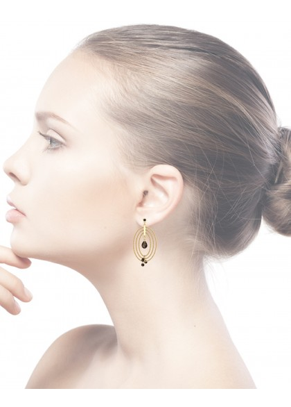 GOLD  WIRED FRAME EARRINGS