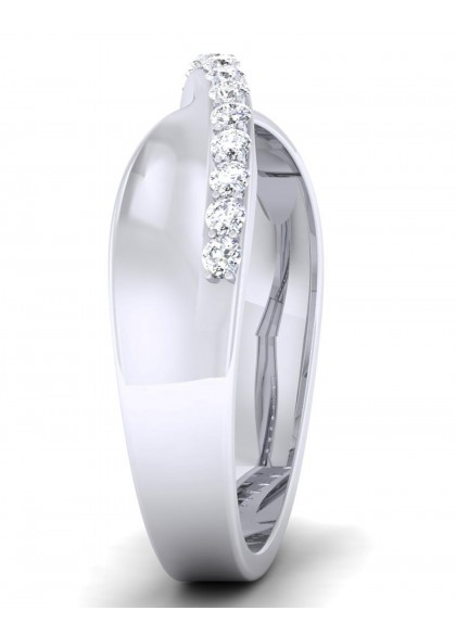 THE WHITE BEAUTY DIAMOND RING