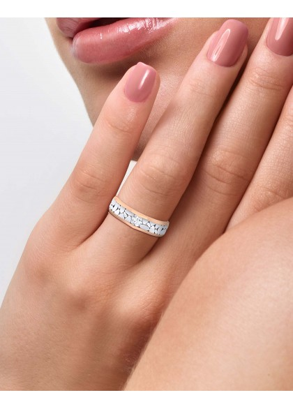 THE WHITE PEBBLES RING