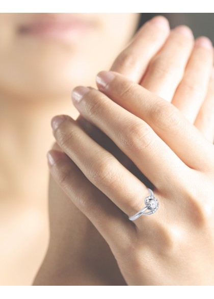 MEZMERISING  DIAMOND RING